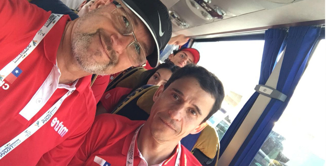 Entrenadores que acompañan a deportistas UC en torneos internacionales